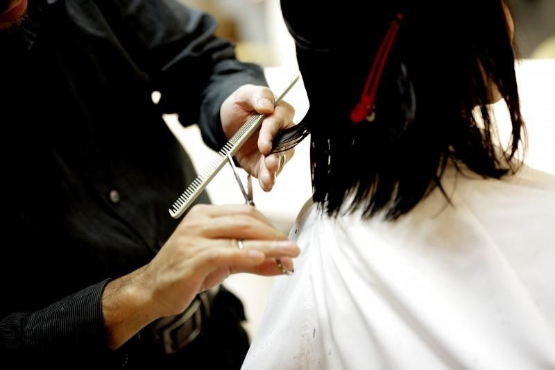 haircut-hair-cut-beauty-salon-combs