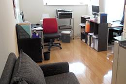 大阪市中央区のマンションの1室で結婚相談所を運営している林さん