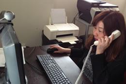 お問合せの電話にも過去の仕事(司会業)が役に立っているそうです。