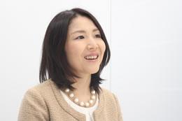 「結婚相談所の仕事は自分の婚活経験が活かせる」と語る岡部さん。