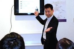 現在は先輩オーナーとして、自身の成功事例や経営のポイントなどを講演することも。