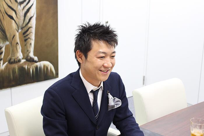 弦弓さんは「エステ事業と相談所事業は理念に通じるものがあった」と話す。