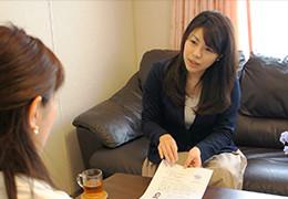 前職の経験を活かせることと、主婦でもできる仕事であると話す佐藤さん