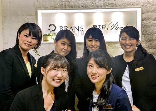 笑顔が素敵な福岡店のスタッフ達